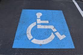 Resultado de imagen de plaza discapacitados aparcamiento